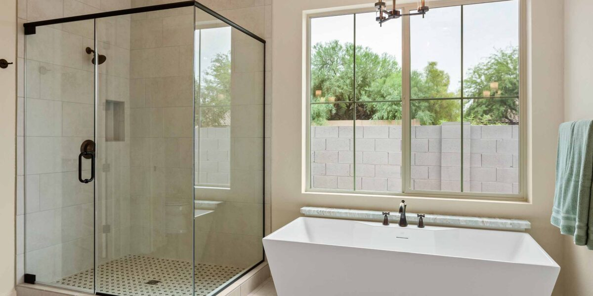 Preakness Estates Gallant Fox Main Bath Shower and Tub
